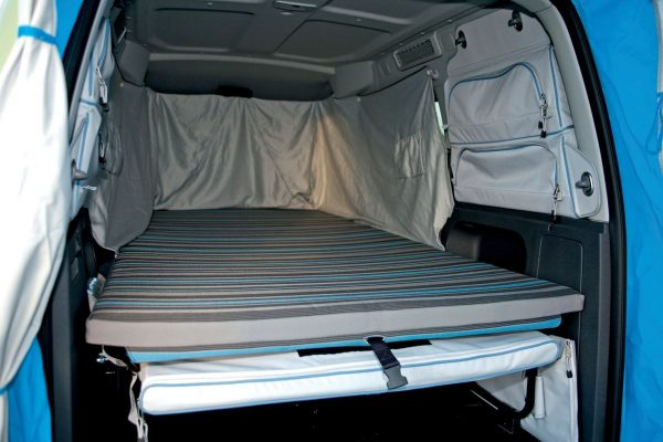 vw-caddy-tramper-bed-view-from-bootlid
